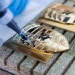 Изготовление значков из металла.